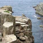 世界中に有る断崖絶壁の建築物って、どうやって建設したのだろうか。